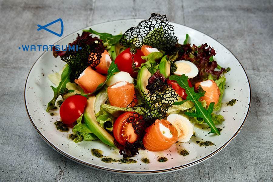 Салат с лососем на дом
